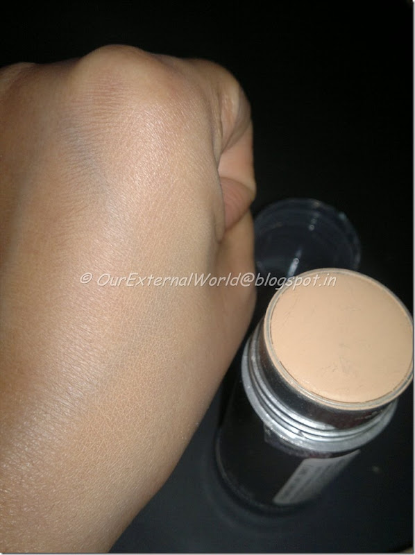 Kryolan-TV-paint-stick-blended-with-flash