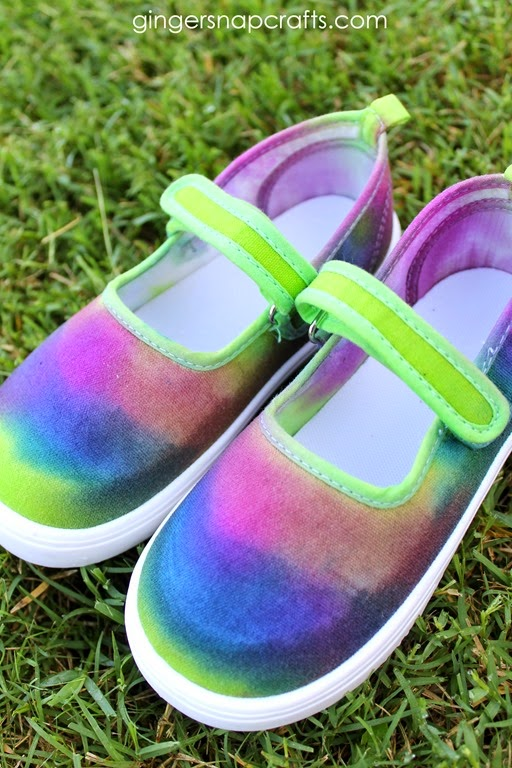 make your own tie dye shoes #tiedyeyoursummer #ilovetocreate #tdys #ad