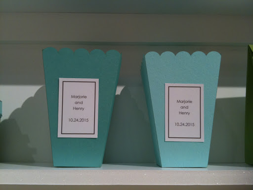 How cute are these popcorn boxes?