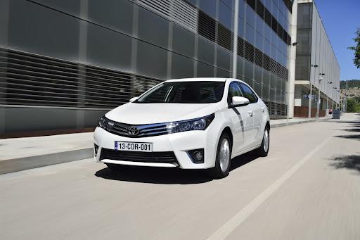 2014-Toyota-Corolla-12.jpg