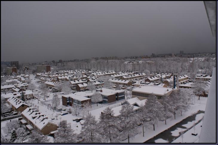 2010-12-17 sneeuw grote sony