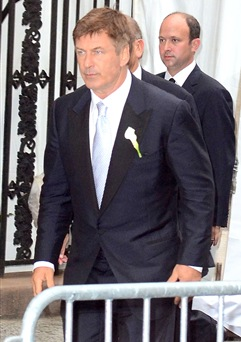 Alec Baldwin Picked A Fashionable Tom Ford Suit
