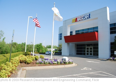 'RDECOM visits NASCAR R&D' photo (c) 2009, Research Development and Engineering Command - license: http://creativecommons.org/licenses/by/2.0/