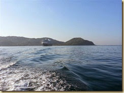 20140224_ tendering to Zihuatanejo from ship (Small)