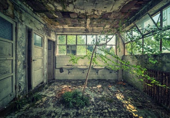abandoned-buildings-mathias-haker-9-600x398