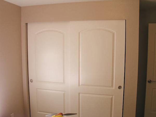 18940d1269538548 Sliding Closet Doors Base Trim P1010069 Sliding Closet Doors