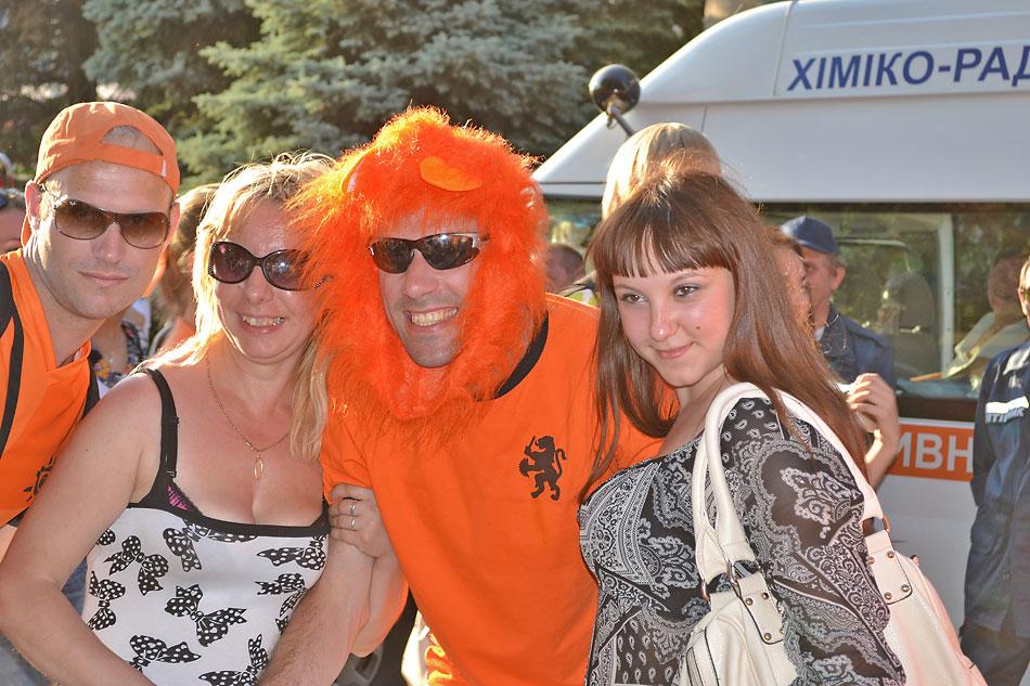 Евро 2012 по футболу. Харьков. 13 июня. Перед матчем Голландия - Германия - 115