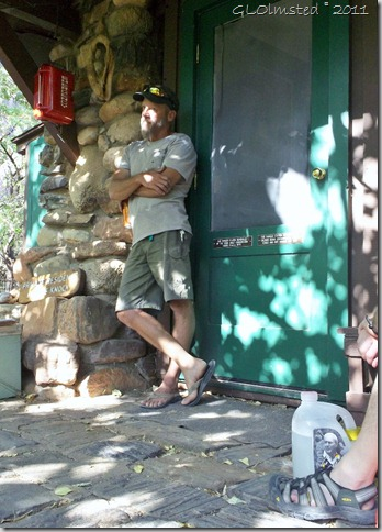 02 Dave Laufler trip leader at orientation River Ranger Station GRCA NP AZ (733x1024)