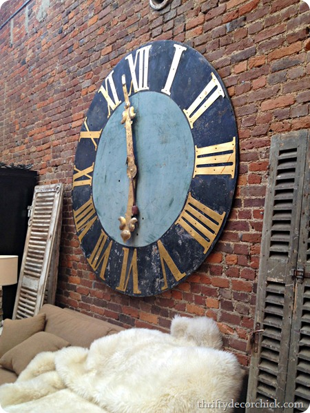 huge numeral clock