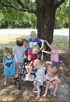 8 kids 06-2011