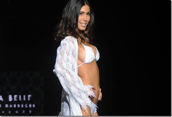 Federica Nargi velina disoccupata, sfila in bikini (bellissima)