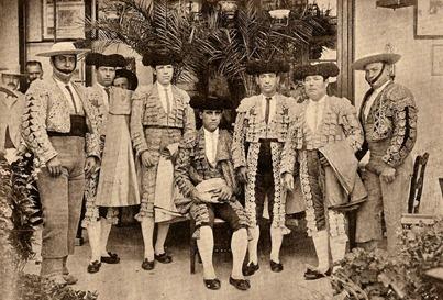 Reverte y su cuadrilla antes de torear Jerez (1898-06-24) 001