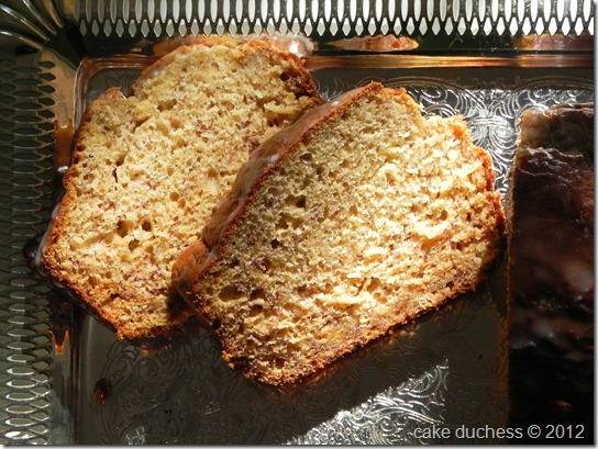 caramelized-banana-bread-with-brown-butter-glaze-2