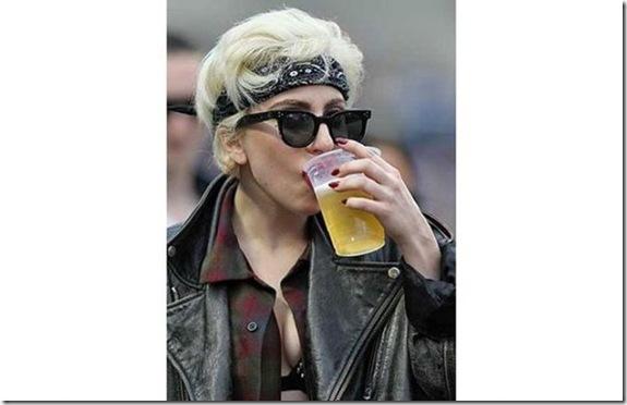sexy-celebs-drink-beer-b20c94