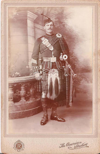 Who is this and which Regiment?