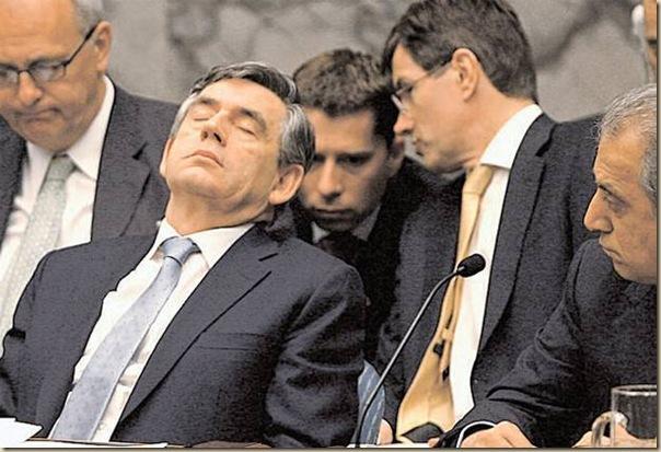 Les politiques sommeillent (17)