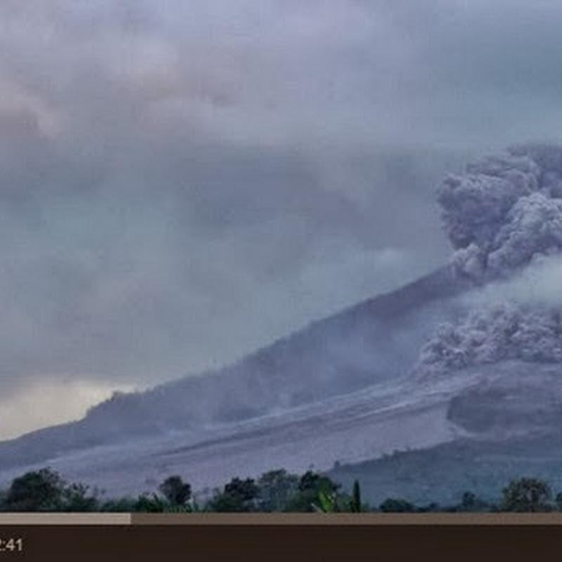 Έκρηξη  ηφαιστείου δημιουργεί ανεμοστρόβιλους
