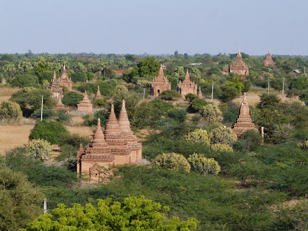 Obiective turistice Myanmar: Campia de temple de la Bagan