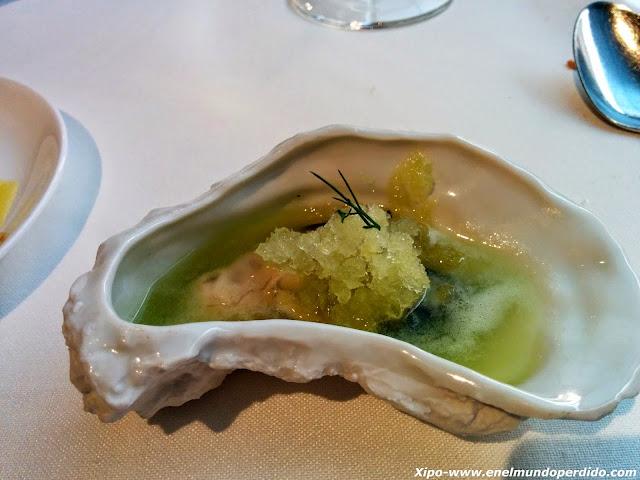 ostra-con-apio-y-helado-de-manzana-verde.jpg