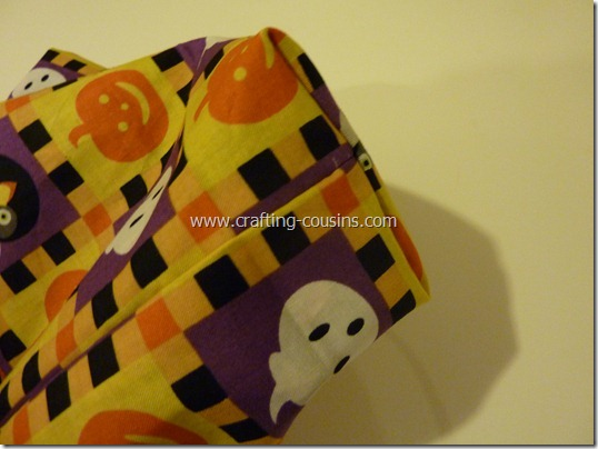 Trick or Treat bag tutorial by Crafty Cousins (22)