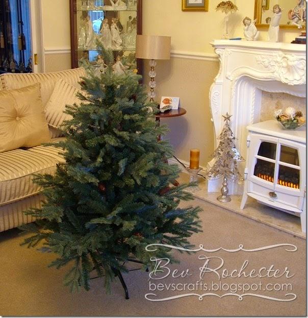 bev-rochester-balsam-hill-xmas-tree2