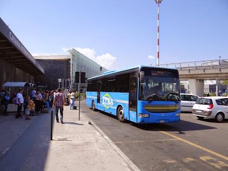 04. Statia pentru autobuze interurbane - aeroportul Catania.JPG