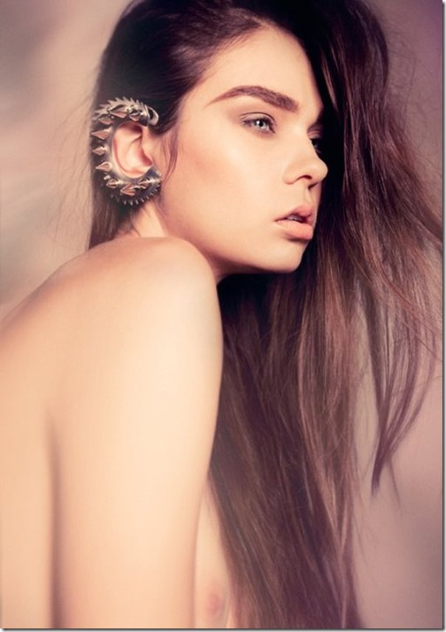 otic-ear-cuff-model-robert-anthony-design
