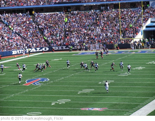 'Buffalo Bills vs Jackson Jaguars 2010' photo (c) 2010, mark.watmough - license: https://creativecommons.org/licenses/by/2.0/
