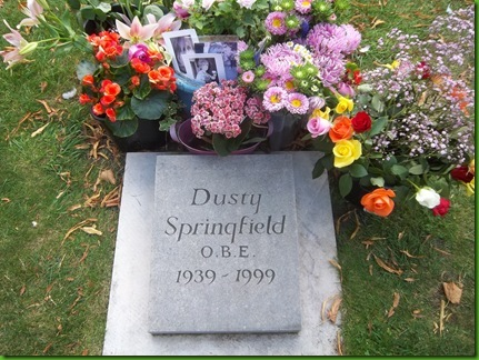 100_4301  The Dusty Springfield Memorial in the church yard