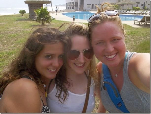 Poolside Elmina