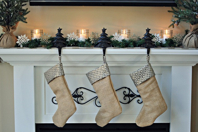 Decor and the Dog Holiday Mantel 3