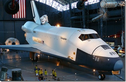 800px-Space_shuttle_enterprise