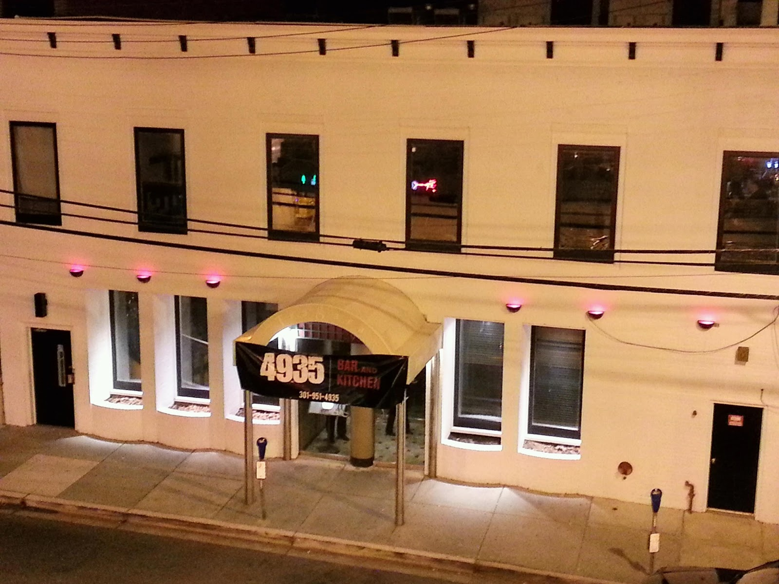 Robert Dyer @ Bethesda Row: 4935 BAR AND KITCHEN EXPANDS HOURS