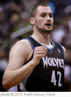 'Kevin Love' photo (c) 2011, Keith Allison - license: https://creativecommons.org/licenses/by-sa/2.0/