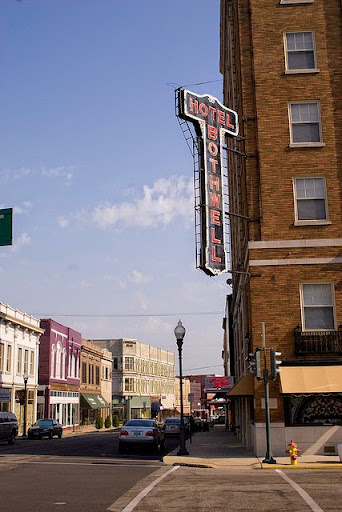 Gay hookup places near englewood oh