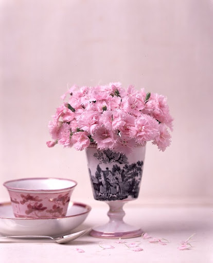 Petite pink flower arrangements. (Martha Stewart Living)