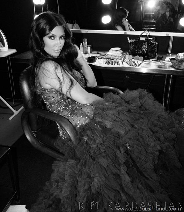 kim-kardashian-linda-sensual-sexy-sedutora-boob-peitos-decote-ass-bunda-gostosa-desbaratinando-sexta-proibida (8)