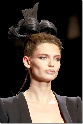 Armani Privé Fall 2011 X Philip Treacy (3)