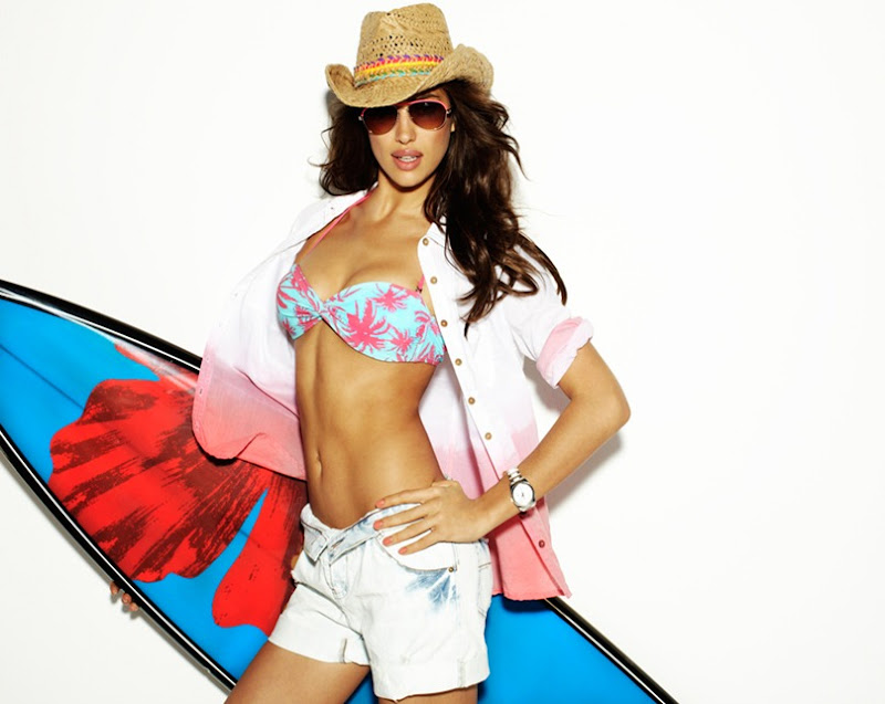 SUITEBLANCO_SS12_WOMAN_IRINA-SHAYK_13