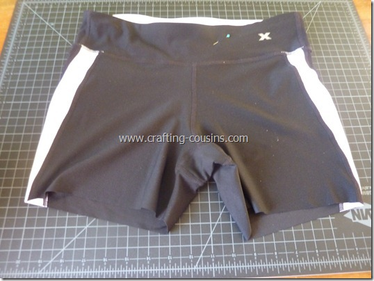 Make your own lap swim or triathlon suit tutorial from The Crafty Cousins (13)