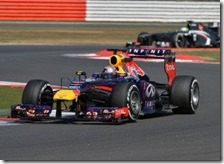 Vettel con la Red Bull nei test di Silverstone 2013