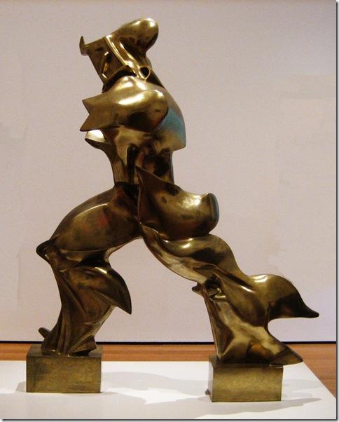 Umberto Boccioni_Formas únicas de la continuidad del espacio (1913)