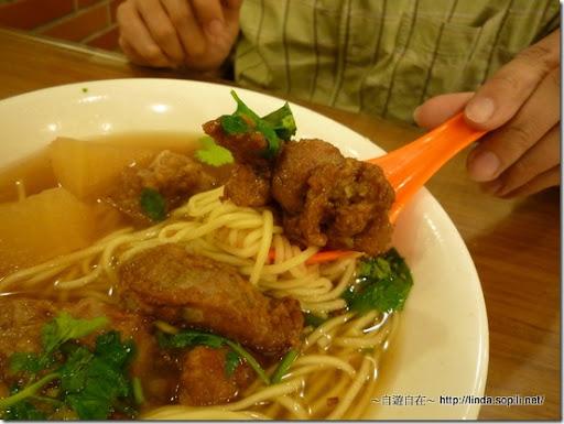 萬華艋舺‧四方阿九魯肉飯-超酥的排骨