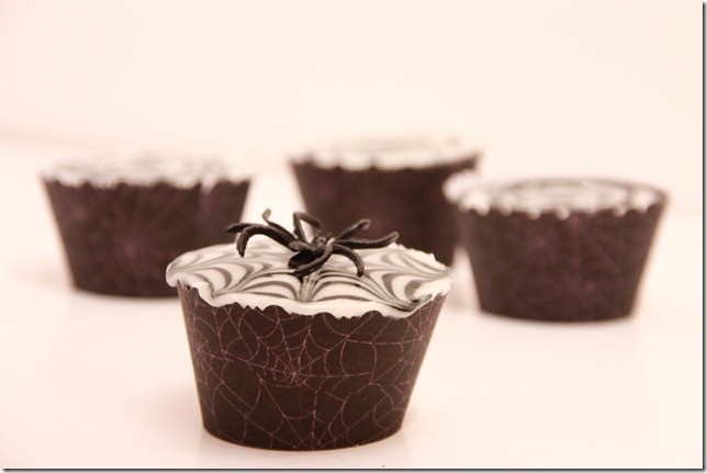 IMG_6831_spindelvevicing_spindelvev_cupcakes_halloween