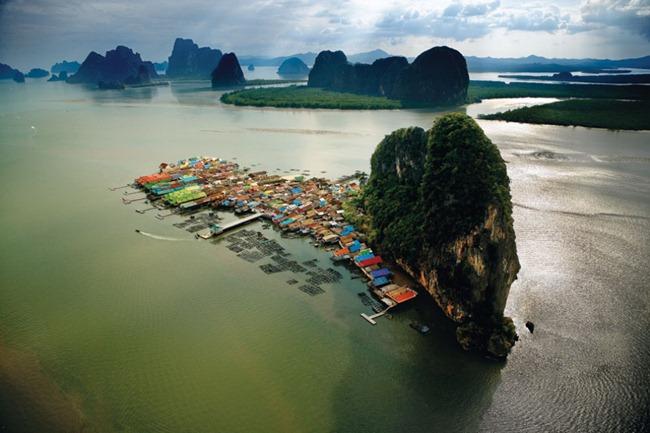 VILAREJO DE KOH PANNYI NA BAÍA DE PHANG NGA, TAILÂNDIA