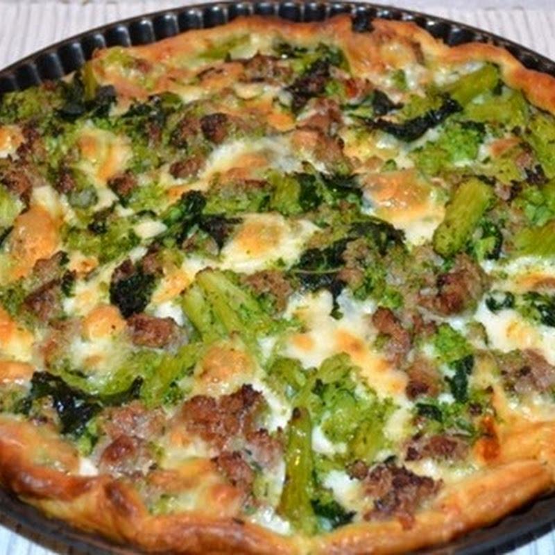 Πίτσα με μπρόκολο και λουκάνικο