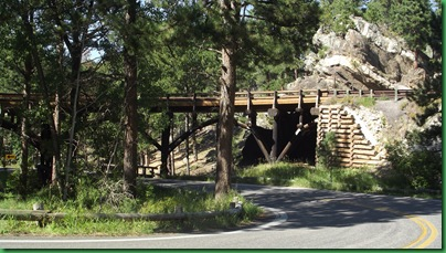 Driving the Custer Loop 063