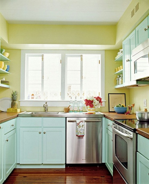 Imagine design makeover monday painted blue and green for Kitchen cabinets quebec