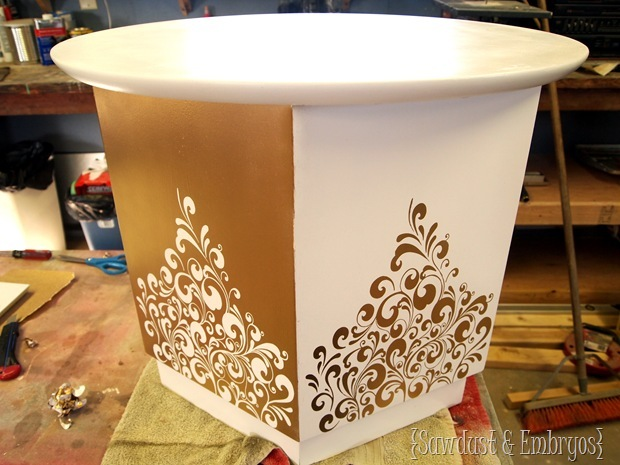 Using Vinyl as a STENCIL! {Sawdust & Embryos}