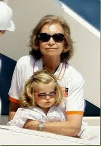 Reina Sofía con su nieta Leonor, hija de Felipe.